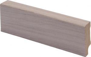 Põrandaliist männipuidust tammespooniga valge lakk 12 x 42 x 2700 mm