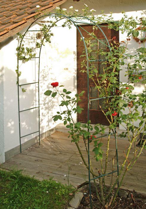 Roosikaar,135 x 37 x 240 cm