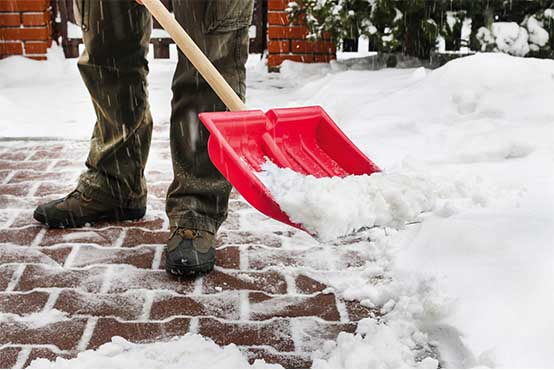 Korralikud tööriistad aitavad lumega hõlpsasti hakkama saada!